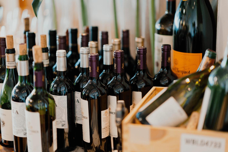 Tổng cục Hải quan thực hiện in, phát hành tem thuốc lá nhập khẩu; rượu nhập khẩu và bán tem điện tử.