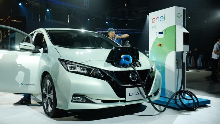 Cuộc cạnh tranh khốc liệt trên thị trường pin xe điện