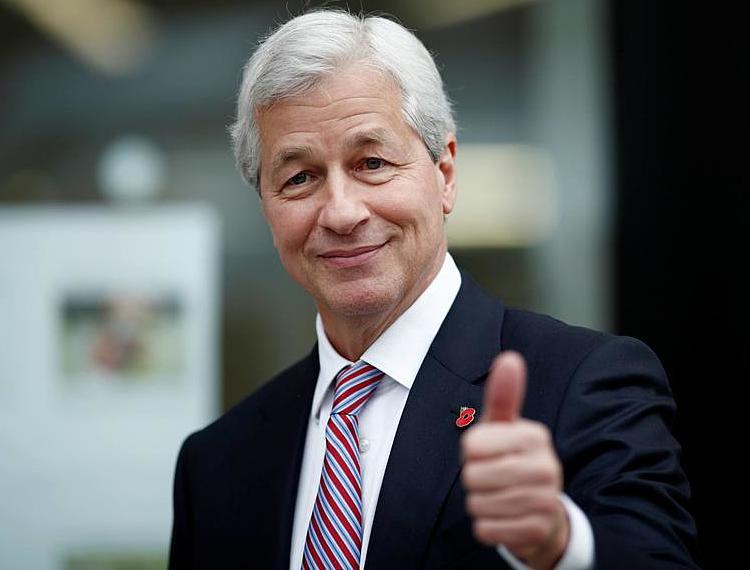 CEO ngân hàng lớn nhất nước Mỹ – Jamie Dimon chia sẻ với tân cử nhân