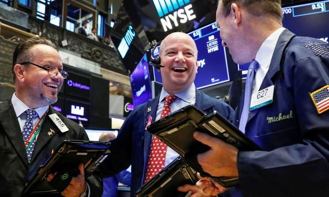 Sau cảnh báo của Chủ tịch Fed, chứng khoán Mỹ tụt giảm
