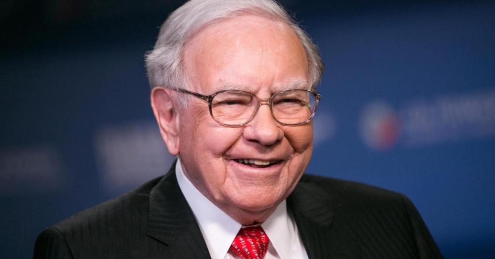 Warren Buffett thừa nhận bán cổ phiếu Apple năm 2020 là một sai lầm